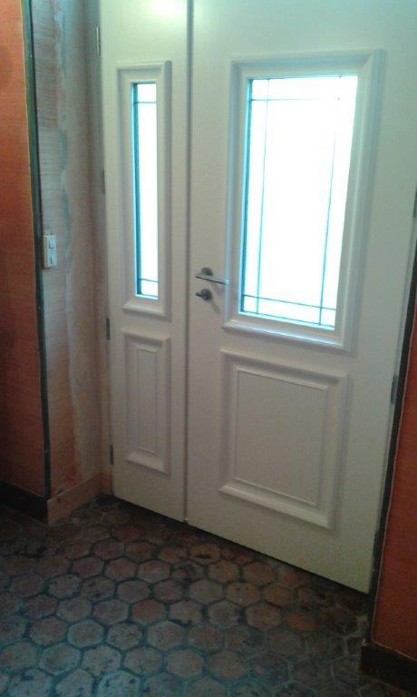 Porte d 39 entr e alu laqu blanc sainte colombe for Porte interieur laque blanc