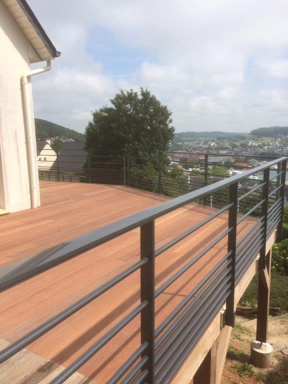 terrasse et garde corps sur pilotis fecamp fabrication sur mesure menuiserie int rieur et. Black Bedroom Furniture Sets. Home Design Ideas